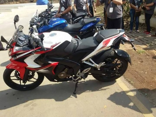 Bajaj Pulsar 200 SS presented at an event side profile