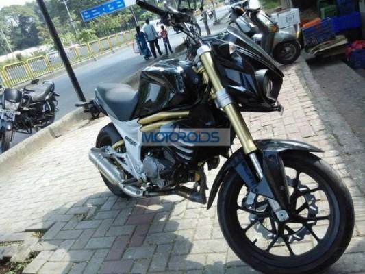 Production-spec Mahindra Mojo spied testing alloy wheels