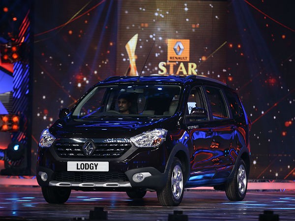 Renault Lodgy MPV at StarGuild Awards