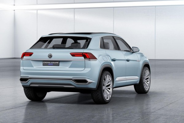 Volkswagen Cross Coupe GTE Concept rear profile
