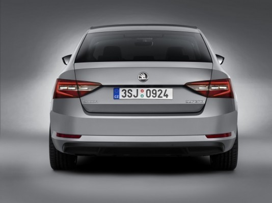 2016 Skoda Superb Saloon rear