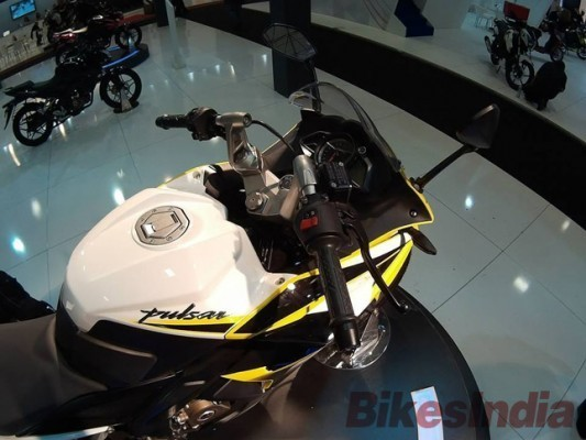 Bajaj Pulsar 200SS showcased in Turkey fuel tank