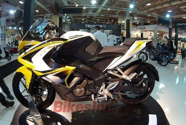 Bajaj Pulsar 200SS showcased in Turkey side profile