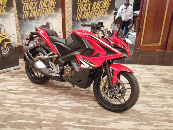Bajaj Pulsar RS 200 launched side profile