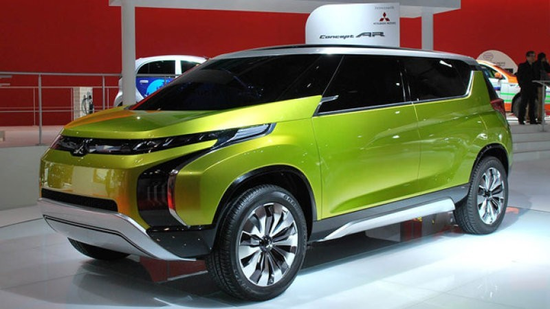 Mitsubishi's compact MPV launch by 2017; to rival Ertiga and Mobilio