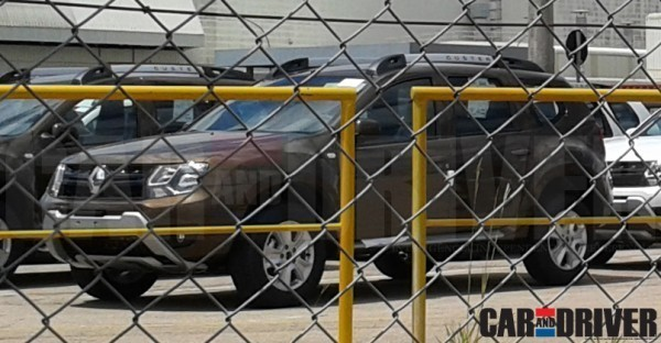 Renault Duster facelift spied front