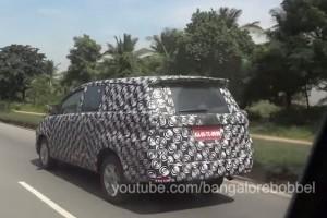 2016 Toyota Innova rear quater