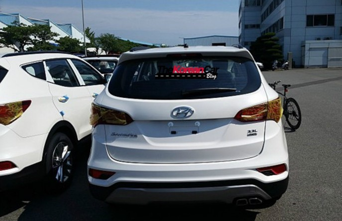 The 2016 Hyundai Santa Fe Will Be Company S First Hybrid Suv With New E 4wd Drivetrain System That Undergo M Production