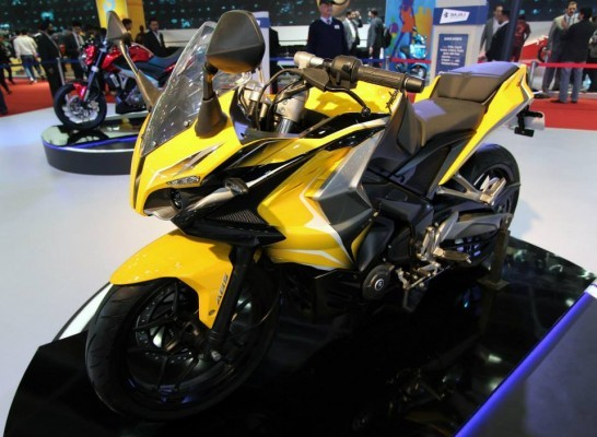 Bajaj Pulsar RS400 Picture 1