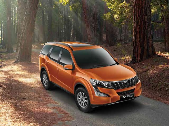 Mahindra XUV500 2015 top view