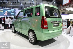 Suzuki WagonR MPV side rear pic