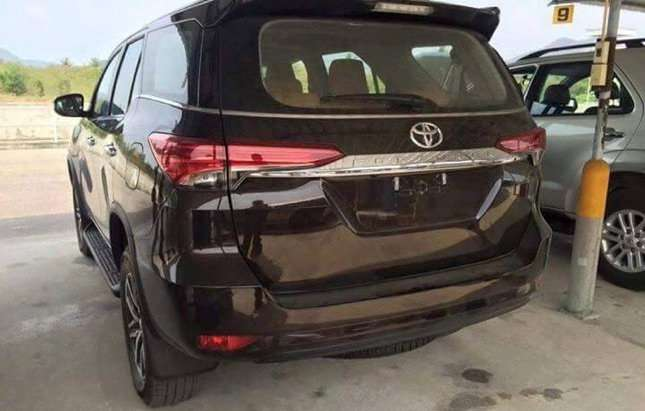 2016 Toyota Fortuner New Model rear