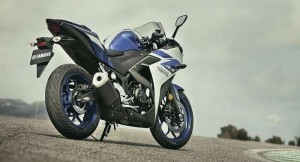 Yamaha R3 rear-side angle