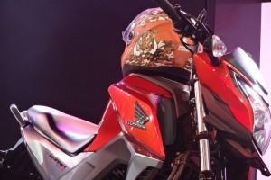 Honda CB Hornet 160R fuel tank