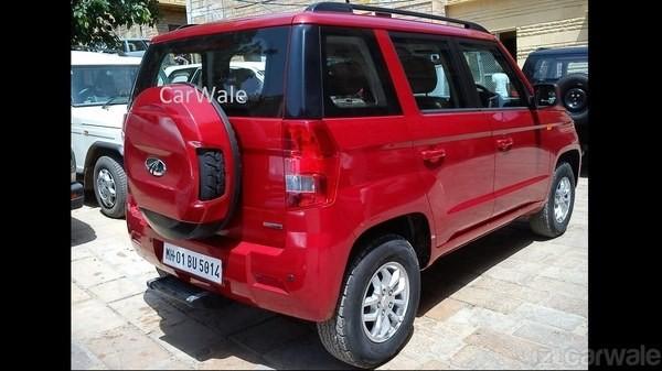 Mahindra TUV300 rear image