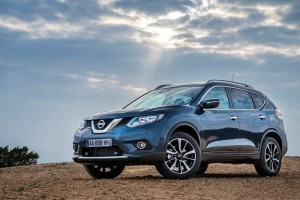 New Nissan X Trail 2016 side view