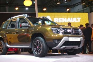 2016 Renault Duster front
