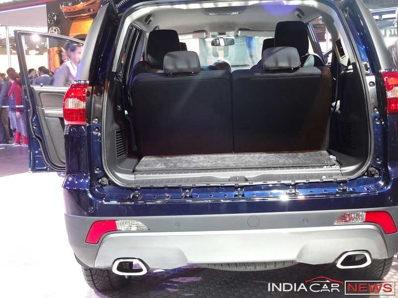 Tata Hexa boot space