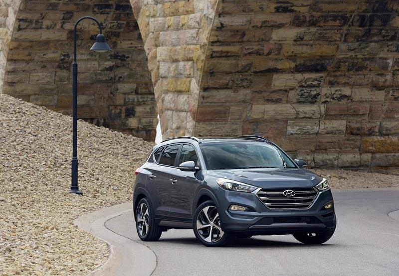 2016 Hyundai Tucson in grey