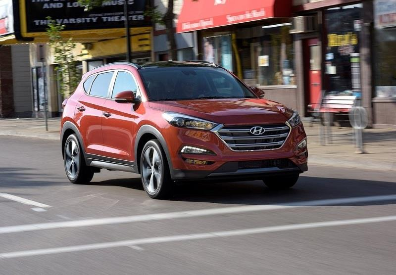 2016 Hyundai Tucson in orange