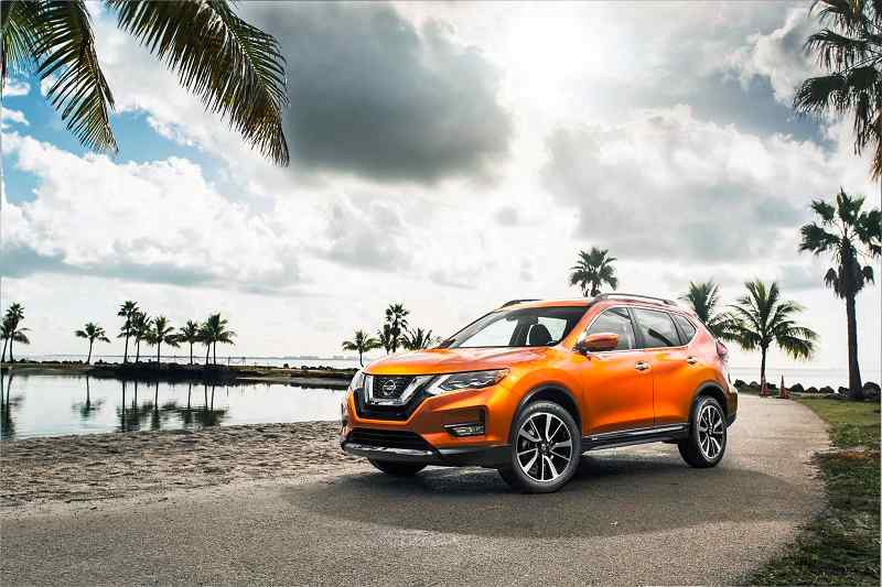 2016 Nissan X Trail Hybrid India side profile