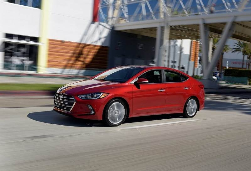 New Hyundai Elantra 2016 India side profile
