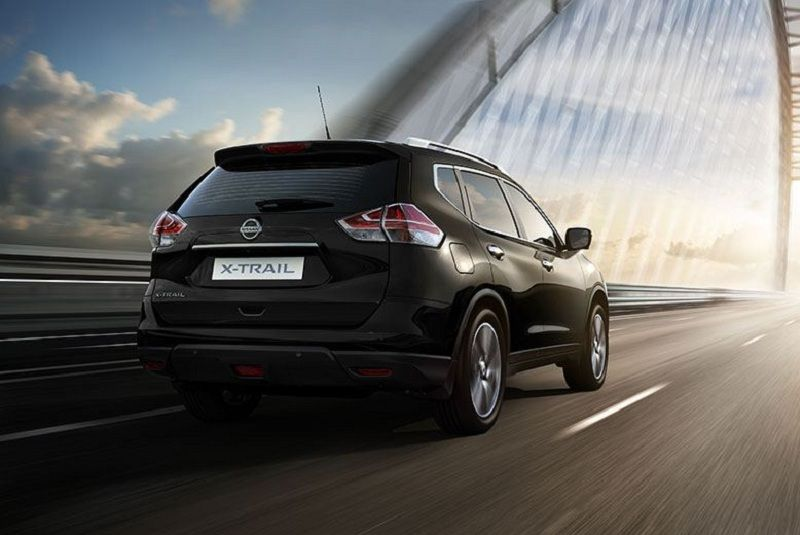 New Nissan X Trail 2016 in black