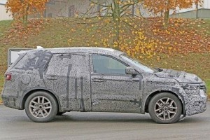 New Renault 7-Seater SUV side