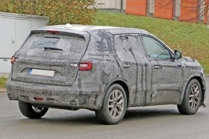 New Renault 7-Seater SUV side rear