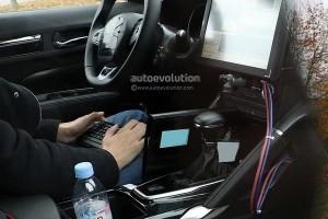 New Renault 7-Seater SUV steering wheel