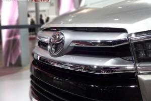 Toyota Innova 2016 front detail
