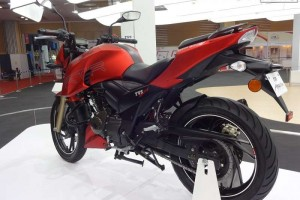 TVS Apache 200cc side view