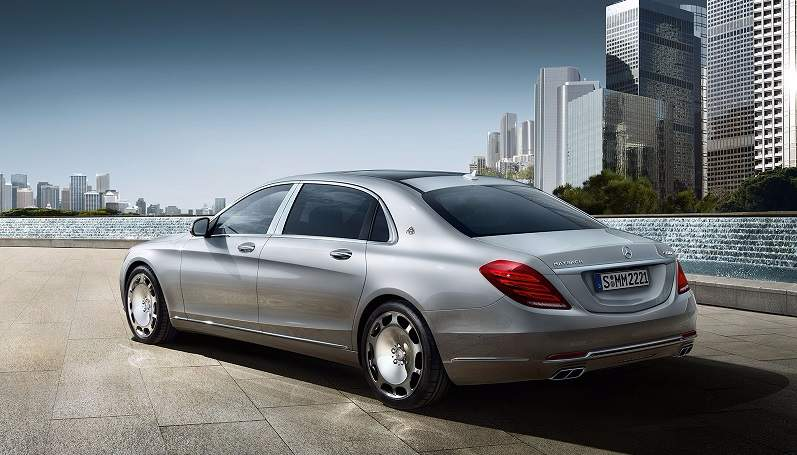 Mercedes-Maybach S600 Guard Side-Rear profile