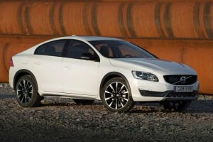 Volvo S60 Cross Country India front side