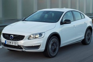 Volvo S60 Cross Country India specifications