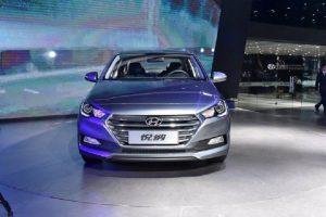 2017 Hyundai Verna India front