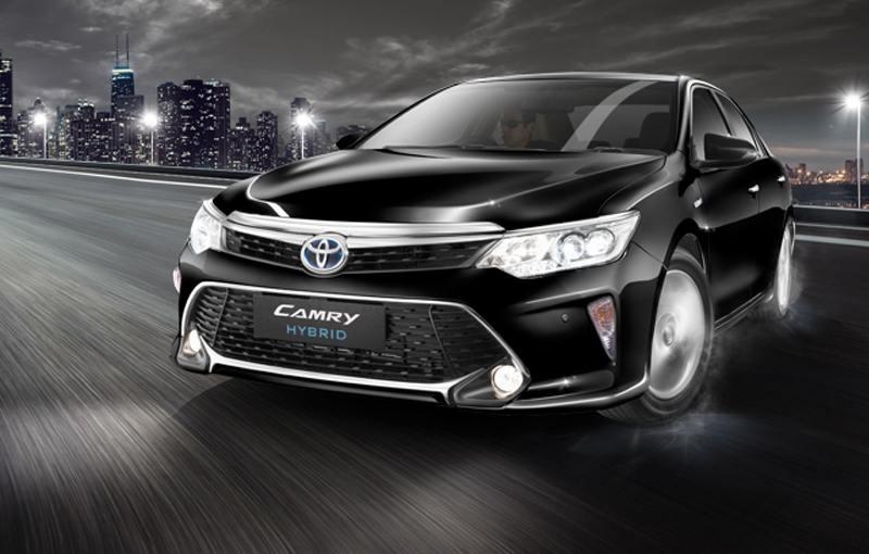 Toyota Camry Hybrid in black