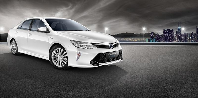 Toyota Camry Hybrid in white