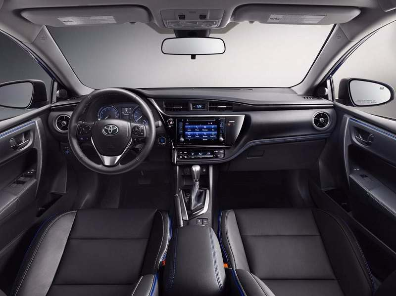 2017 Toyota Corolla India interior
