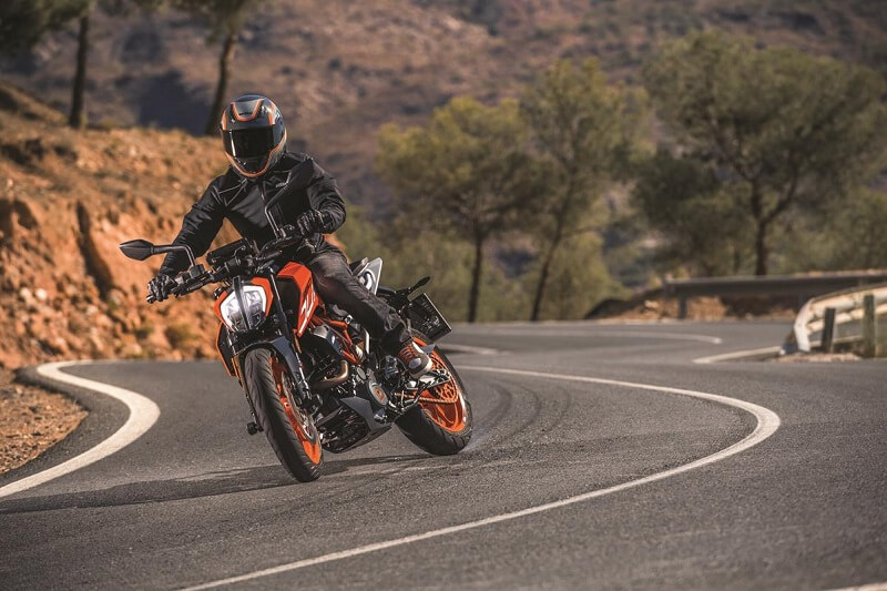 new 2017 ktm duke 390 price, specifications, mileage, images