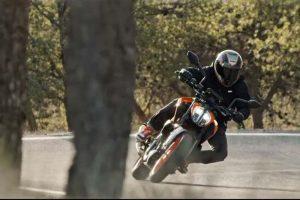 2017 KTM Duke 390 Motion Shot
