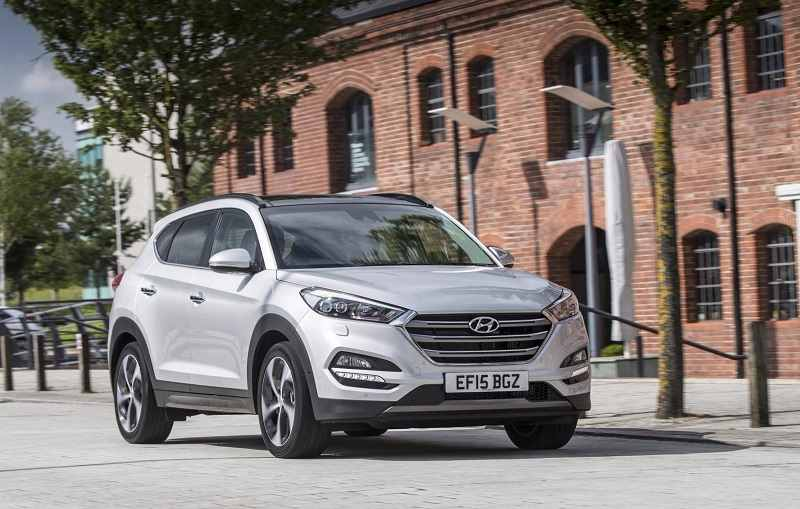 2016 Hyundai Tucson SUV front three quarter