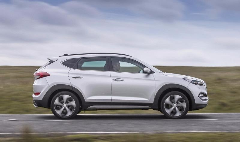 2016 Hyundai Tucson SUV side view