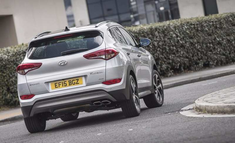 2016 Hyundai Tucson rear-third quarter