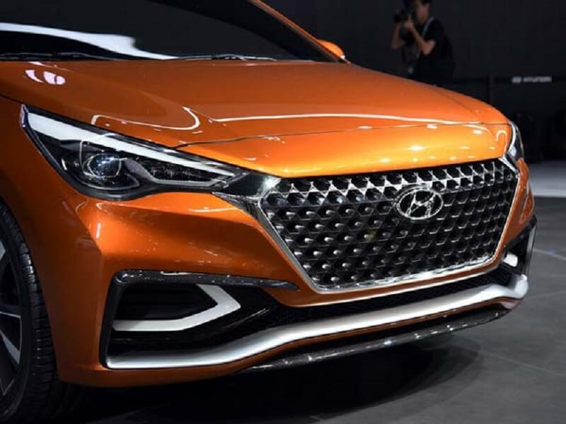 2017 Hyundai Verna front grille