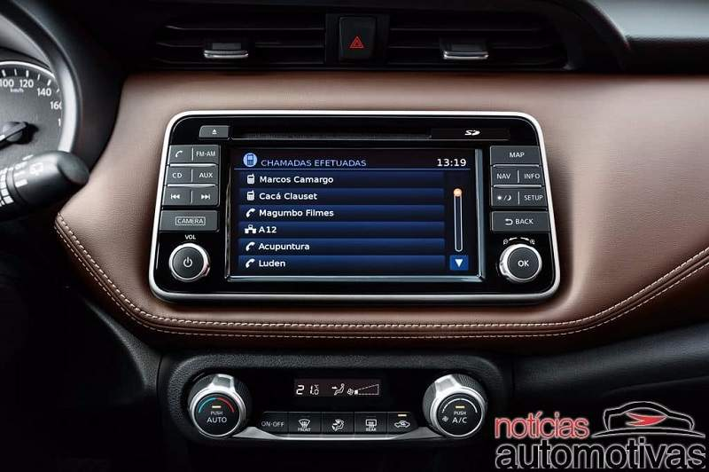 2018 Nissan Kicks SUV infotainment system
