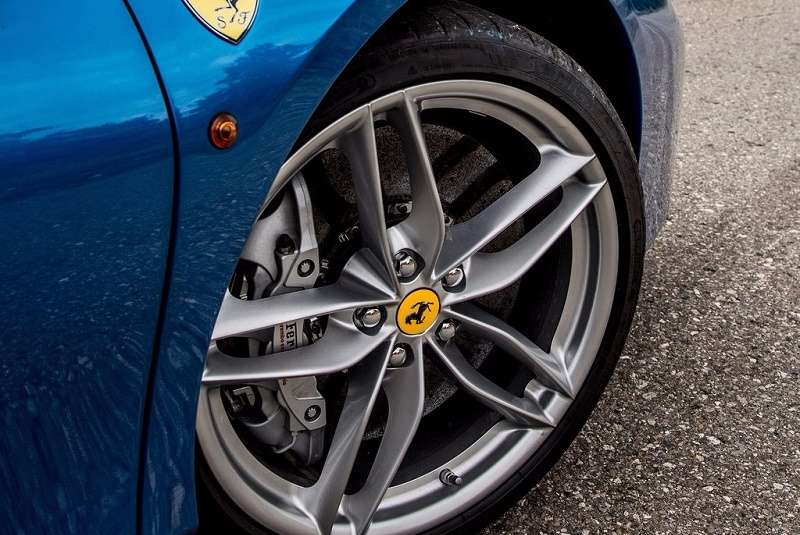 Ferrari Faulty airbags US