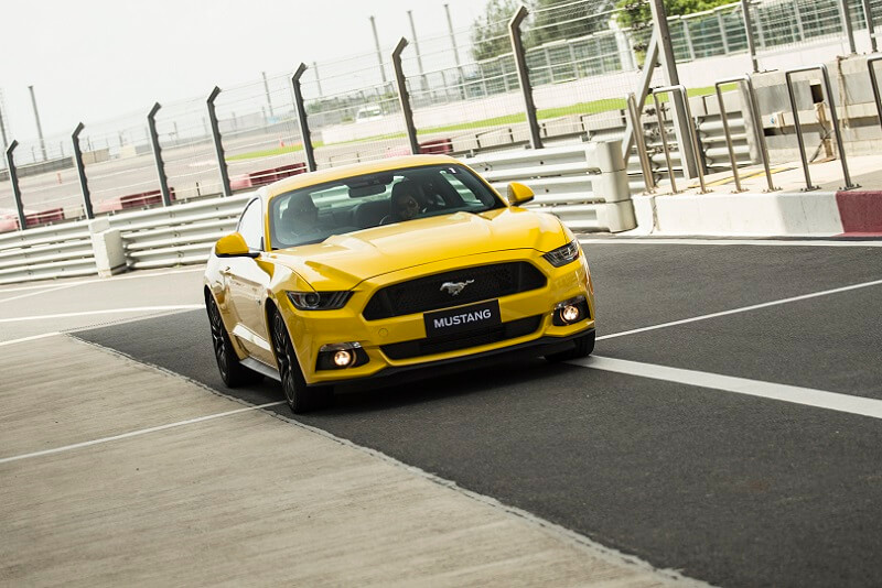 Ford Mustang front fascia