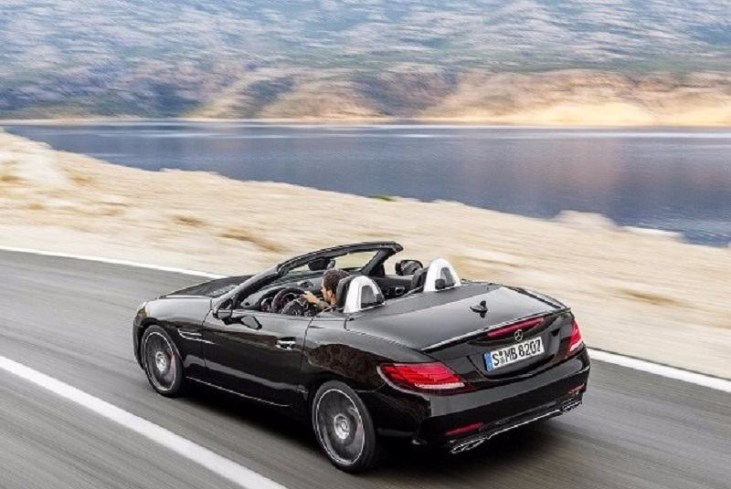 Mercedes-AMG SLC 43 India roof