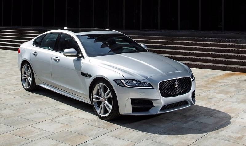 2016 Jaguar XF India side profile